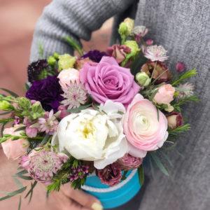 купить композицию цветов в коробочке