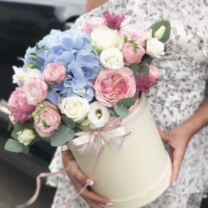купить коробочку с цветами
