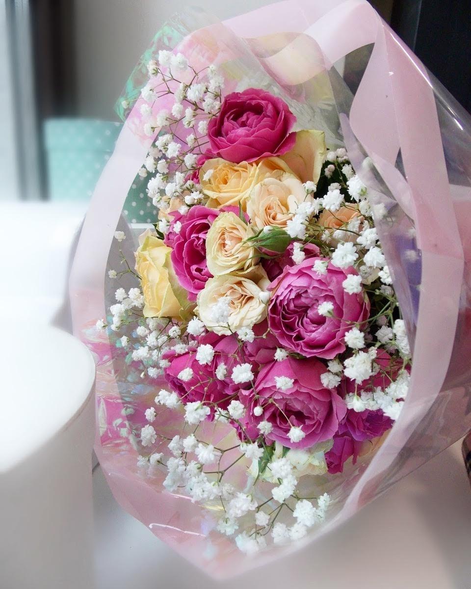 Цветов балаково, свадебный букет из кустовых роз и гипсофилы